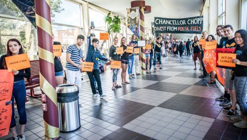 2015_DivestDU1_Group-Hallway-shot-1-of-1-1_resize.jpg